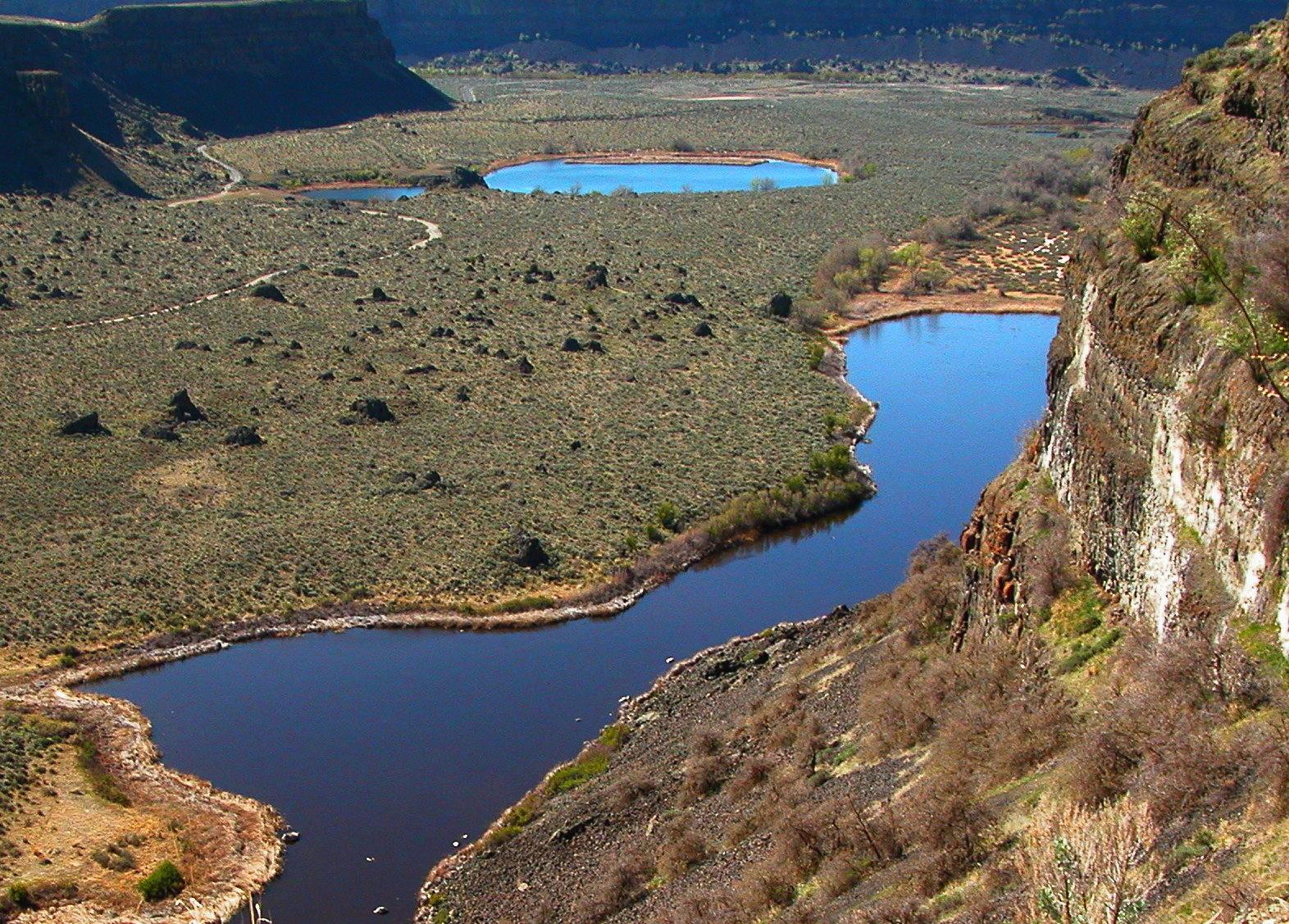 Dry Falls Lake