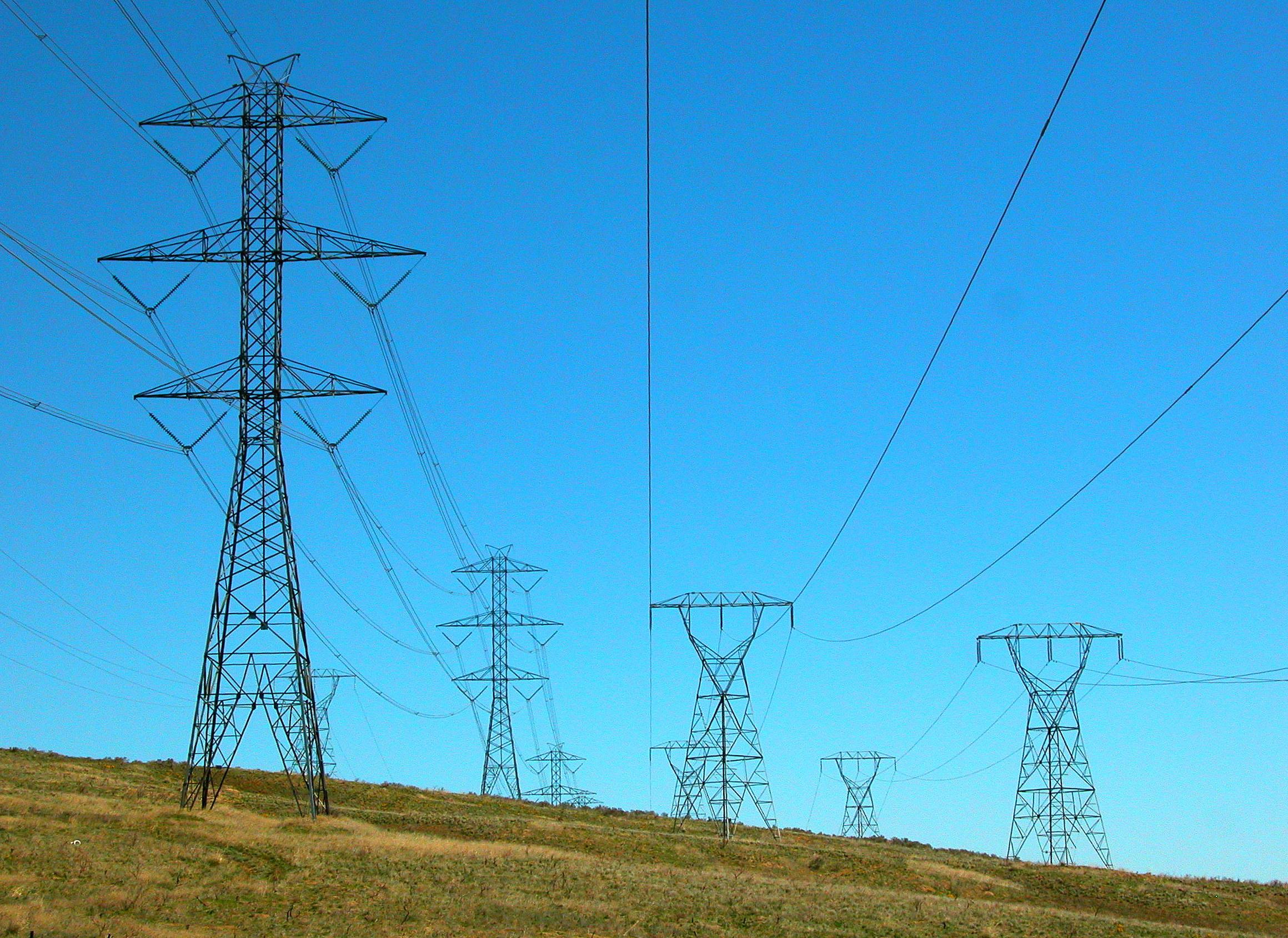 Power Lines US 2, WA