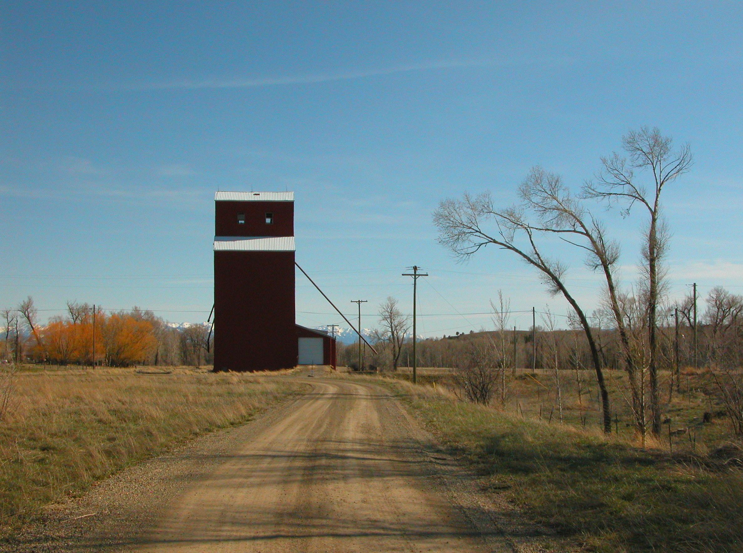 Grain Elevator, Clyde Park, Montana