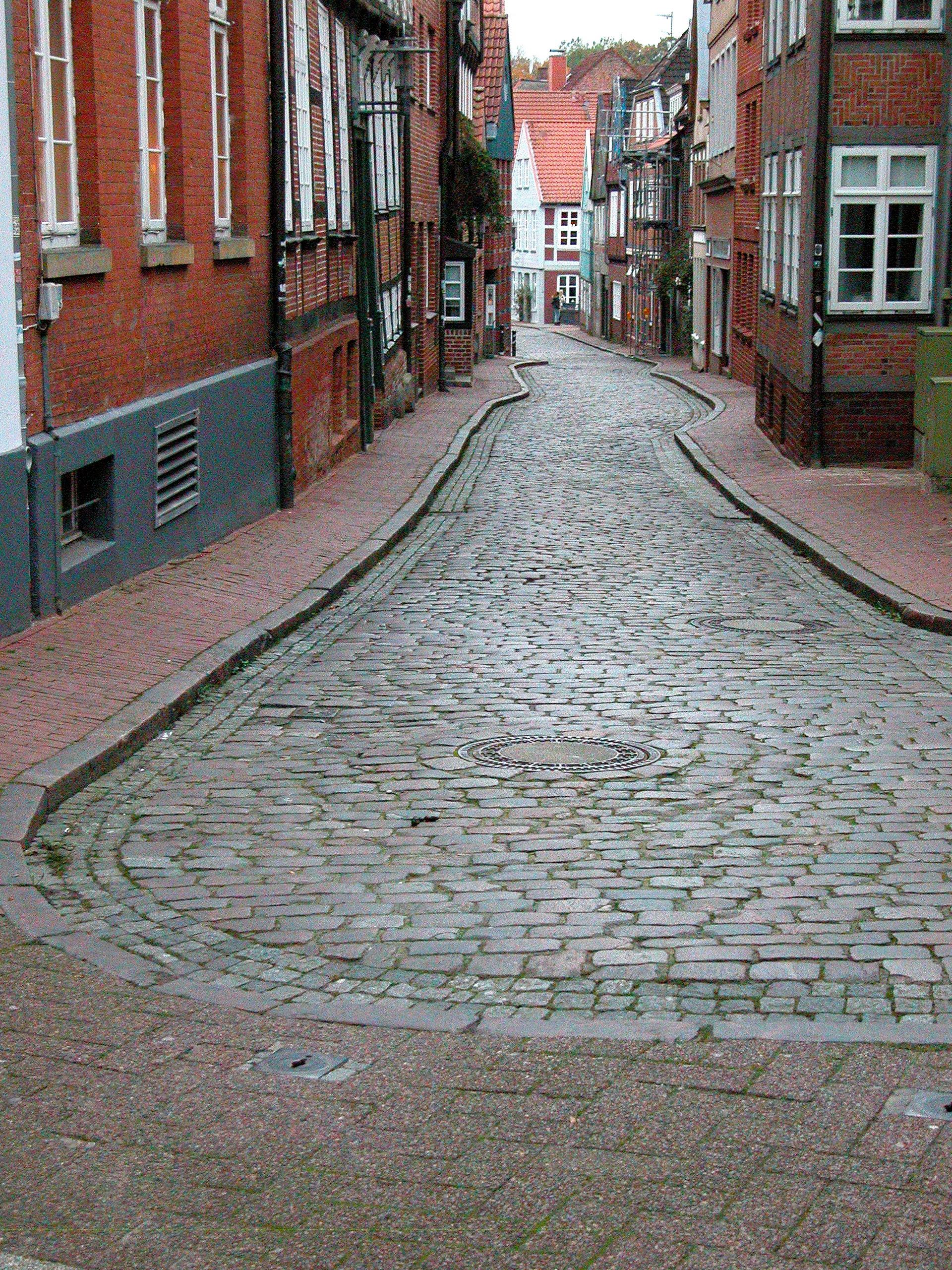 Side Street, Old Buildings, Stade
