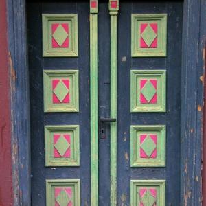 Front Door, Stade