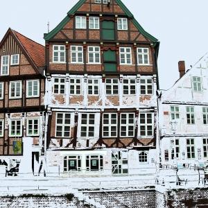 Old Buildings, Schwinge